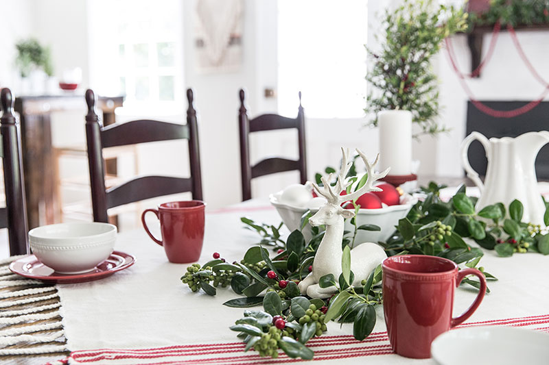 Decorate Your Table With Holly